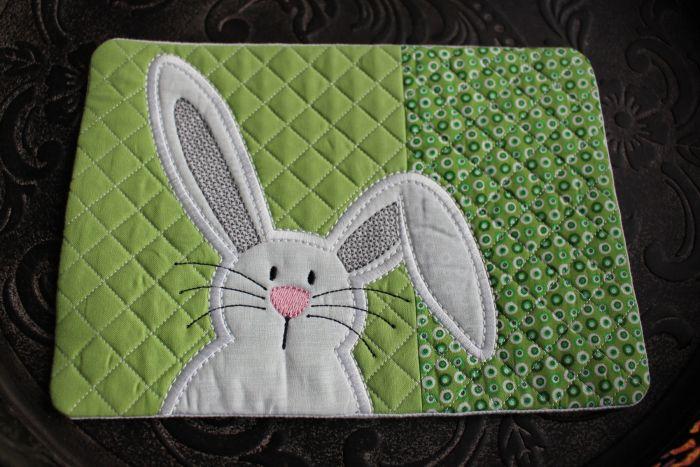 Mug Rug Quilted Bunny 1