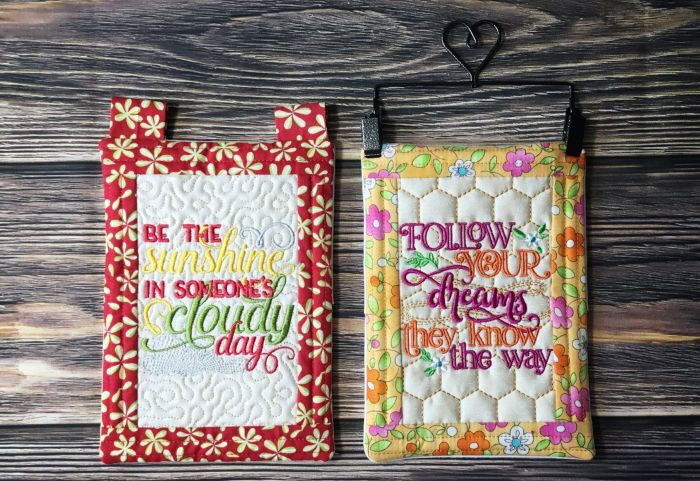 In The Hoop Miniature Wall and Desk Décor Set 1