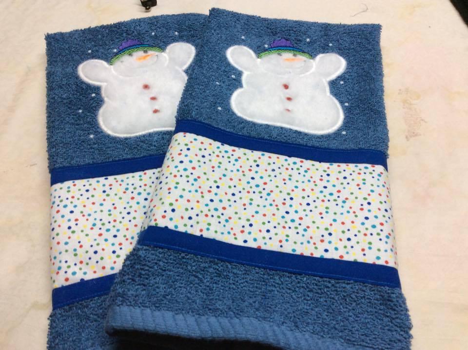 towels-kim-secchi-wood-snowman-applique