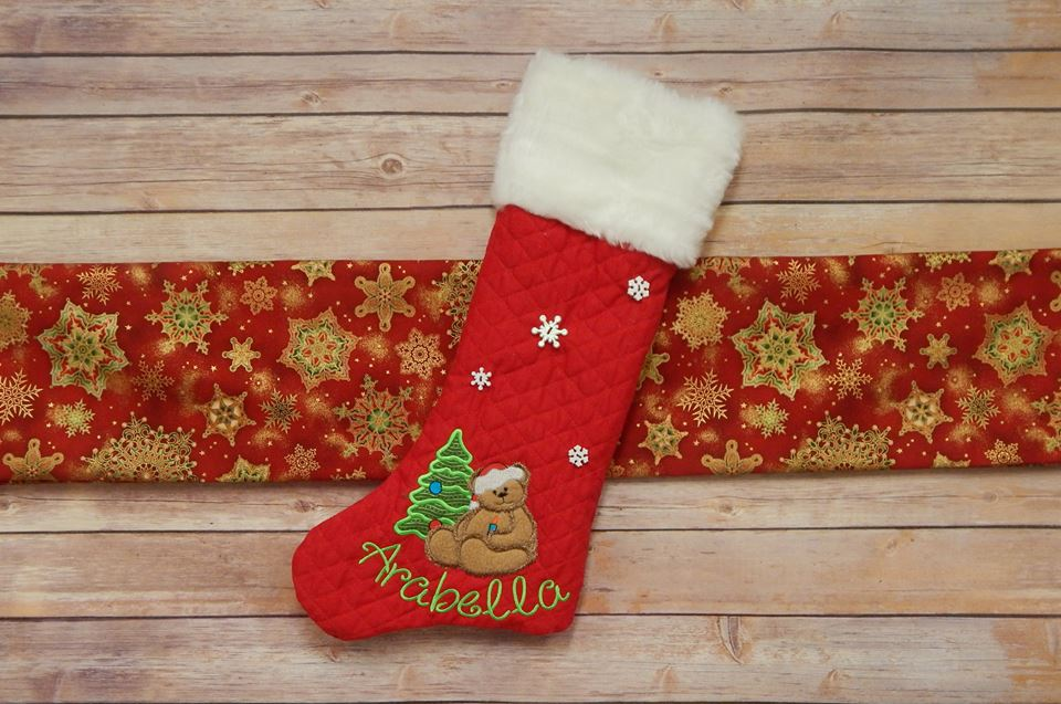 dbjj215-fuzzy-christmas-teddy-bear-applique-giggles-embroidery