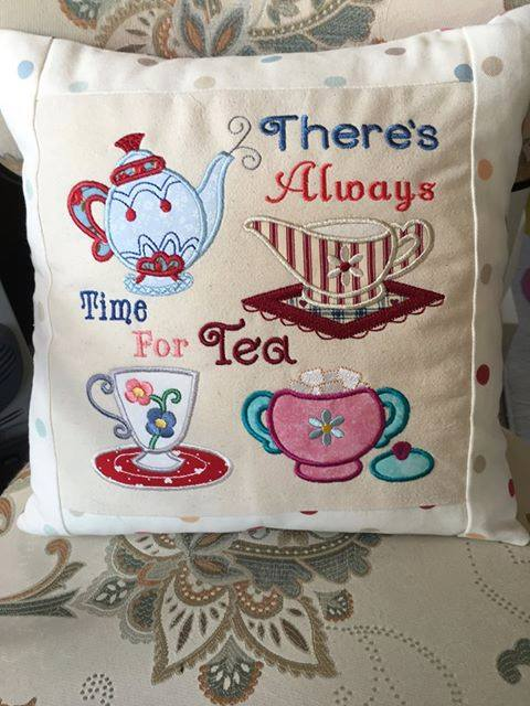 julie_moore_teatimeapplique